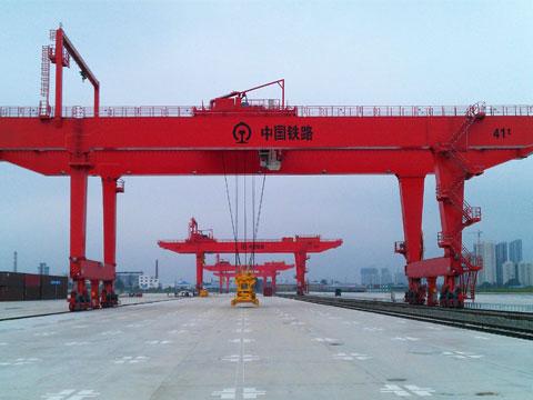 Купить контейнерный перегружатель из Китая