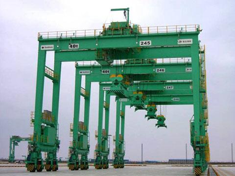 Заказать контейнерный перегружатель на пневматическом ходу цена