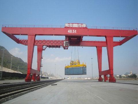Продам контейнерный перегружатель на рельсовом ходу цена